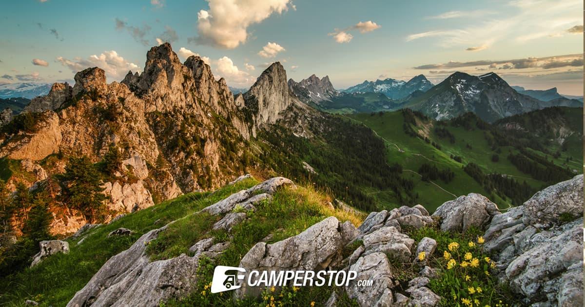 De markante toppen van de Dolomieten bij een wandeling rond de Gastlosen.